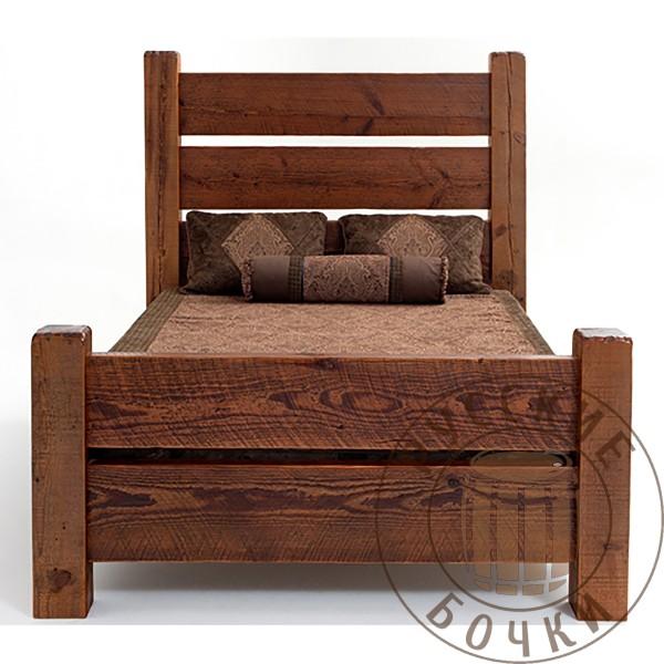 Кровать из массива дерева под старину Радмила