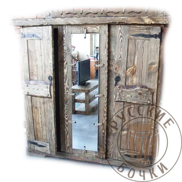 Шкаф-шифоньер с зеркалом трехдверный под старину из массива